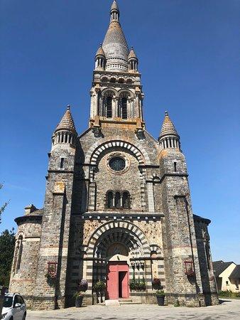 Val-d'Ize, ฝรั่งเศส: Eglise Saint Etienne des Eaux