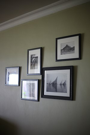 The beautiful black and white photography on the walls.