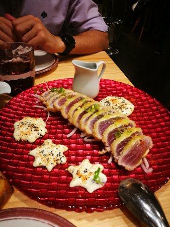 Tataki de atún en tempura
