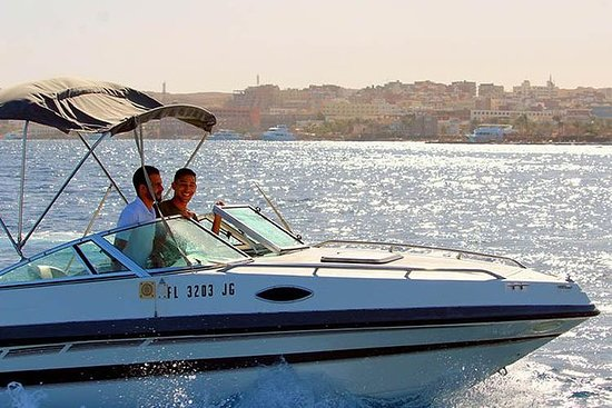Private 3 hours glass botom boat trip: 2 HOURS PRIVATE SNORKELING TRIP TO GIFTUN ISLAND'S CORAL REEFS BY A SPEED BOAT