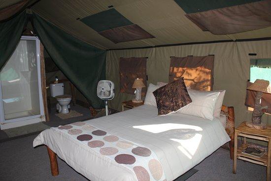 Luxury safari-tent with en-suite bathroom in Timbila camp