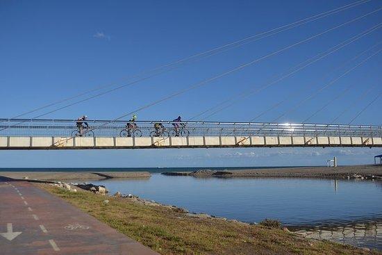 在FUENGIROLA和MIJAS附近的轻的山地自行车
