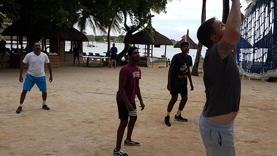 International team( mostly South African) vs Mauritius team in beach volleyball. Without a doubt SA won...lol!