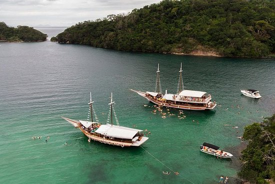 Ilha Grande with Boat Tour and Lunch