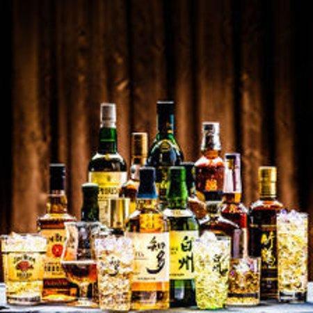 40種類以上のテキーラやカクテル、様々なお酒が揃っております! お気に入りの1杯をお探しください。