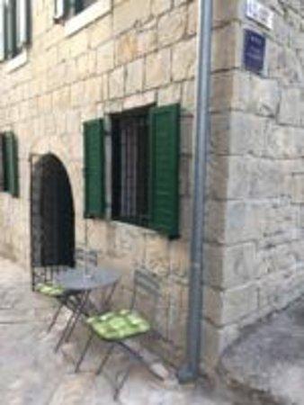 Sosici, كرواتيا: Kamena kuća s dva studio apartmana