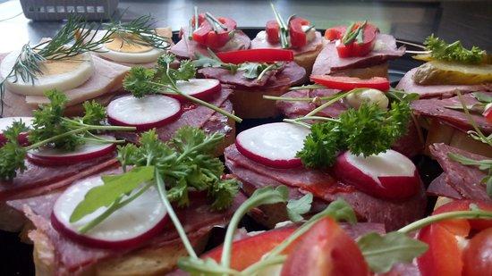 BALAGAN Cafe Bistro: Canapes
