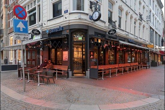 Cafe De Zwart