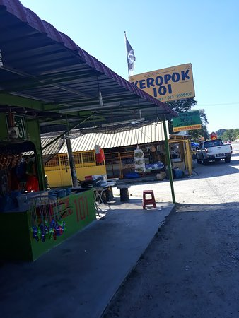 "Kemaman District, Malezja: The best place if you want to buy the local crackers that is called ""Keropok Lekor"" origin from Terengganu.."