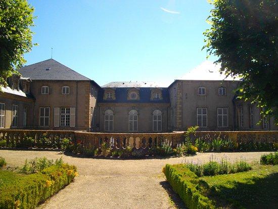 Musee de Gorze: Jardin au Palais Abbatial
