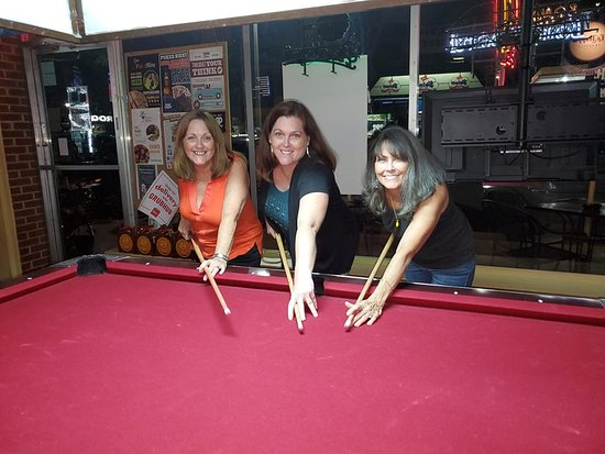 Roque Pub: Girls night out at the Rogue and ready for game 3!
