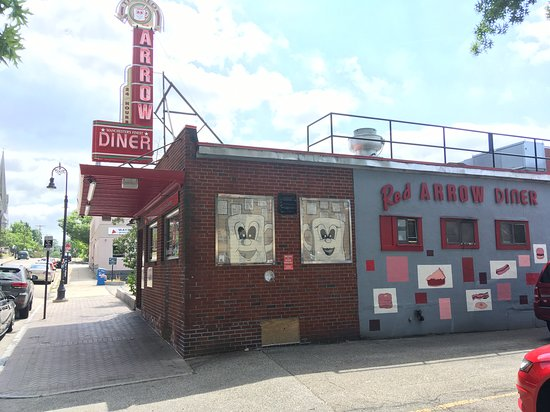 ‪‪Red Arrow Diner‬: Ouside view‬