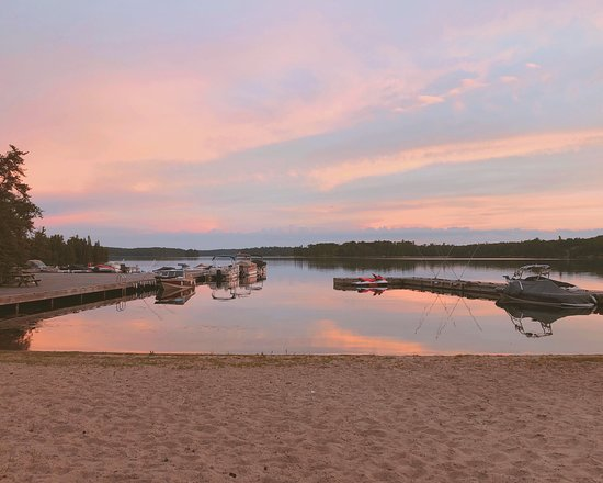 Kenora District, Canadá: One of our private beaches on Longbow Lake