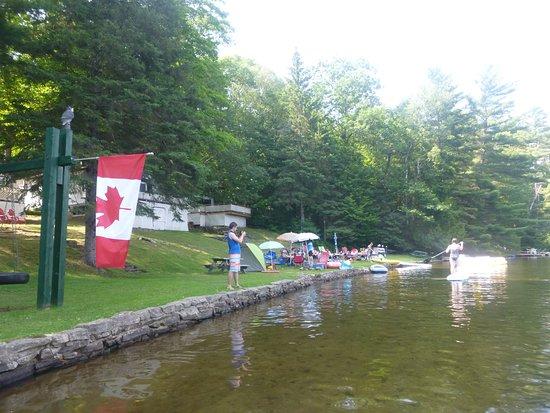 Little Hawk Resort & Marina: cottage lake front