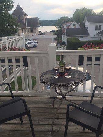 Lodgings at Pioneer Lane: 10+all the way.  Amazing sunset right across the street and breakfast on our private patio.