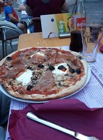 Pizzeria Dolce Vita: Pizza Parme