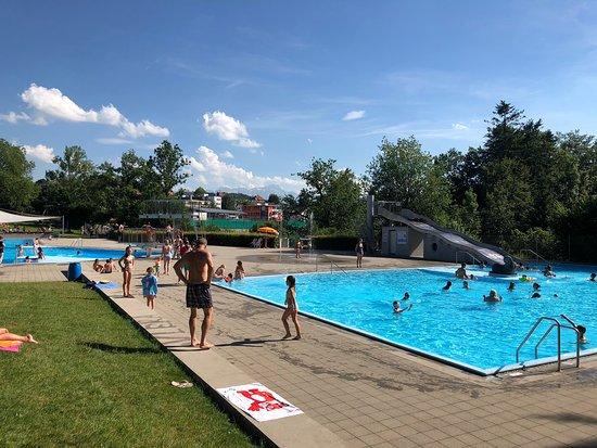Schwimmbad Rotmonten