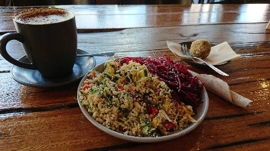 Earthy Eats: Combo 3 raw food salads