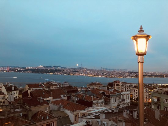 5. Kat Restaurant overlooking the Bosphorus at a full moon evening.