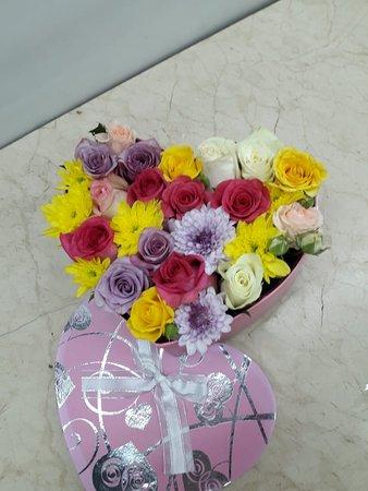 Dubai, United Arab Emirates: Mix colourful flowers