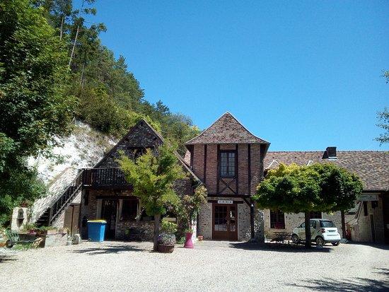 Ezy sur Eure, Francja: Le parking