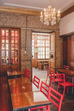 El Candelario: Atendemos reservaciones y nos esmeramos en proporcionarle un excelente servicio  Restaurante: Lunes a sábado de 11:00 am a 4:00 pm Bar: Viernes y Sábados de 9:30pm a 3:00 am  Los esperamos y estamos para servirle   #HacemosLasMejoresFiestas #HacemosLosMejoresPlatos