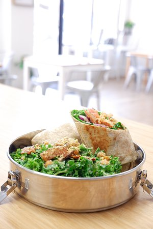 Chick'un Bacun with Caesar Salad