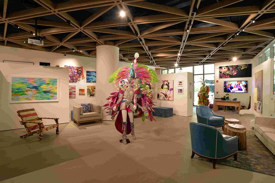 The Current Baha Mar Gallery & Art Center: The Current's Gallery hosts a variety of artwork made by Bahamian artists. Come and enjoy our exciting exhibitions.