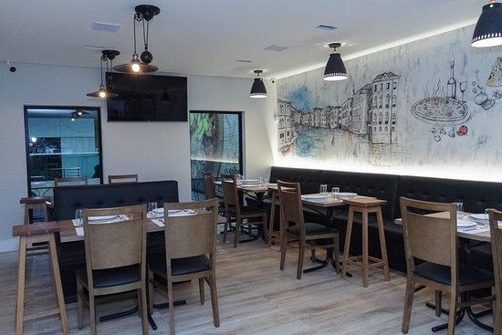 Manaus, AM: A Marinara Pizzaria & Restaurante tem uma decoração diferenciada!
