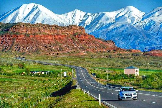 Nakhchivan, אזרבייג'ן: Highway  from Nakhcivan to Iran and Ordubad 