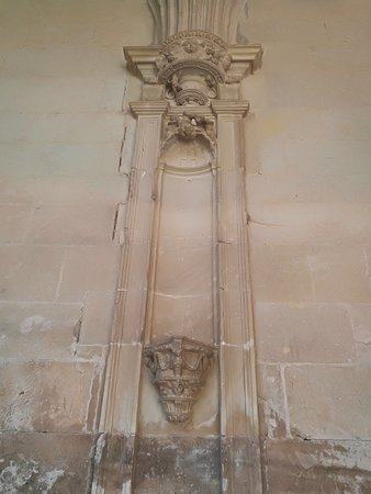 Monasterio De Santa Maria La Real De Irache: Claustro plateresco.