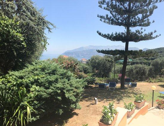 Grand Hotel Vesuvio : Outside views