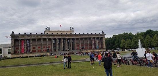 Explore Berlin: Top Attractions Walking Tour Resmi