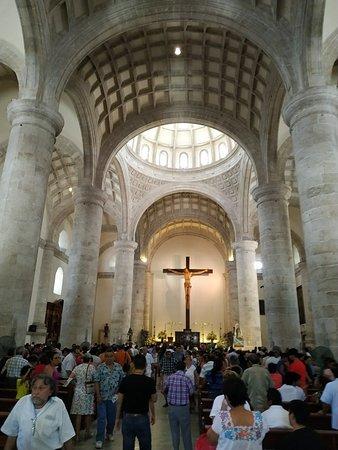 La catedral es hermosa en su estilo