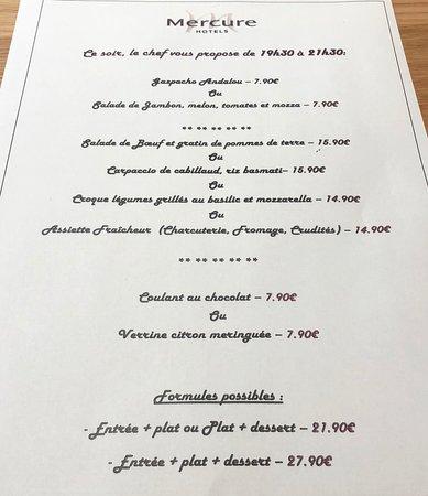 Hotel Mercure Perigueux Centre Historique: Carte du menu du dîner et carte des vins.