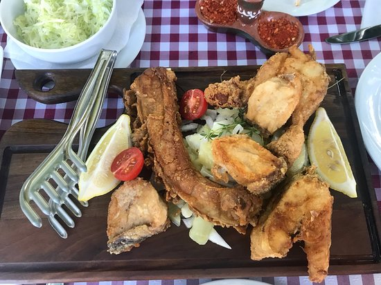 Kovilj, เซอร์เบีย: Assorted fried fish plate for two. Being in great fishing area, the fish is always fresh and the taste is great.