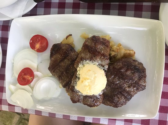 Kovilj, Serbia: Roe-Deer-kebab (Srneci cevapi) - very tasty, but not always available (we were lucky)