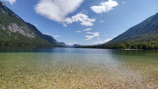 Ukanc, สโลวีเนีย: Lake Bohinj