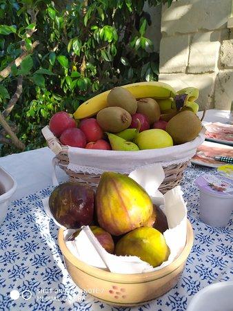 Vernole, Itália: Frutta ...... ma soprattutto : FICHI !