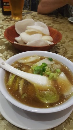 China Garden Restaurant: won ton soup