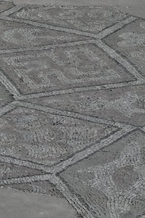 Свастика как элемент мозаичного панно