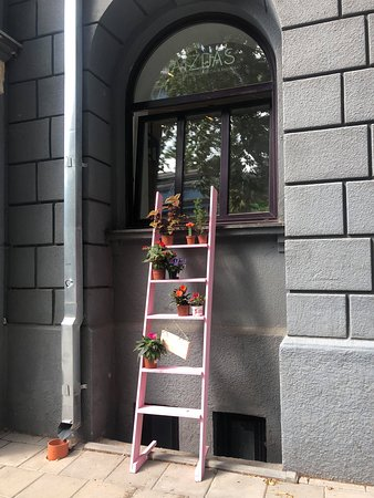 Kaunas County, ลิทัวเนีย: main entrance explored by windows but doors is near