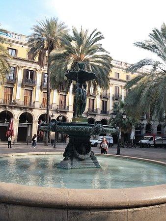 Barcelona, Espanha: Королевский дворик в Барселоне