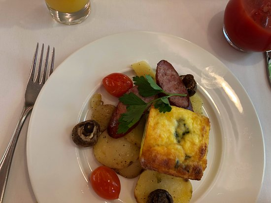 Breakfast on the Rocky Mountaineer train---Delicious!