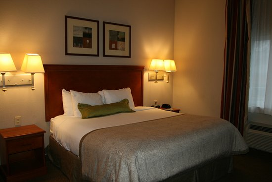 Candlewood Suites Bordentown/Trenton: Guest room