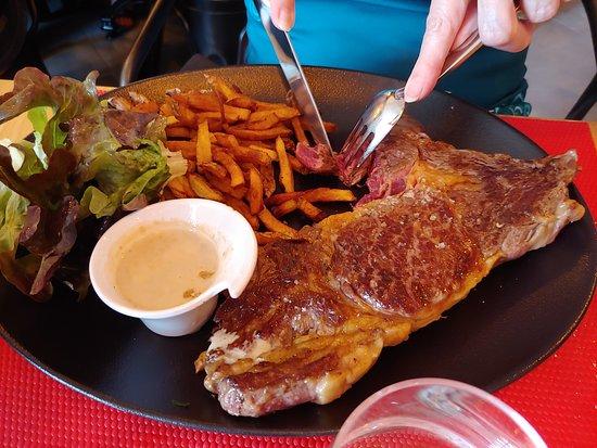Saint-Martin-de-Seignanx, Francia: Entrecôte savoureuse et copieuse