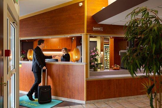 hotel roi soleil strasbourg mundolsheim. Black Bedroom Furniture Sets. Home Design Ideas