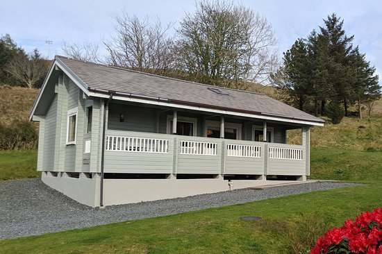 Beech Lodge - with 3 bedrooms it sleeps up to 6 people