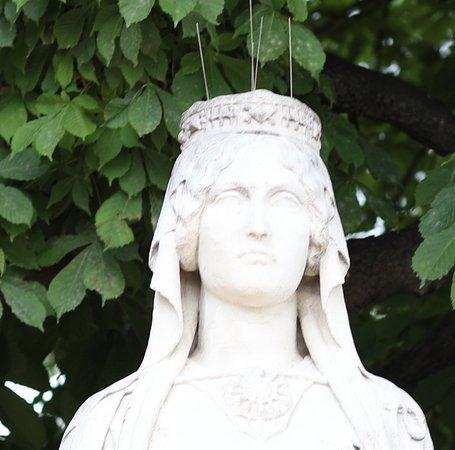 La statue de Berthe ou Bertrade