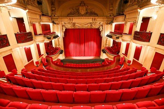 Theatre tres inconfortable - Avis de voyageurs sur Théâtre de la Madeleine,  Paris - Tripadvisor